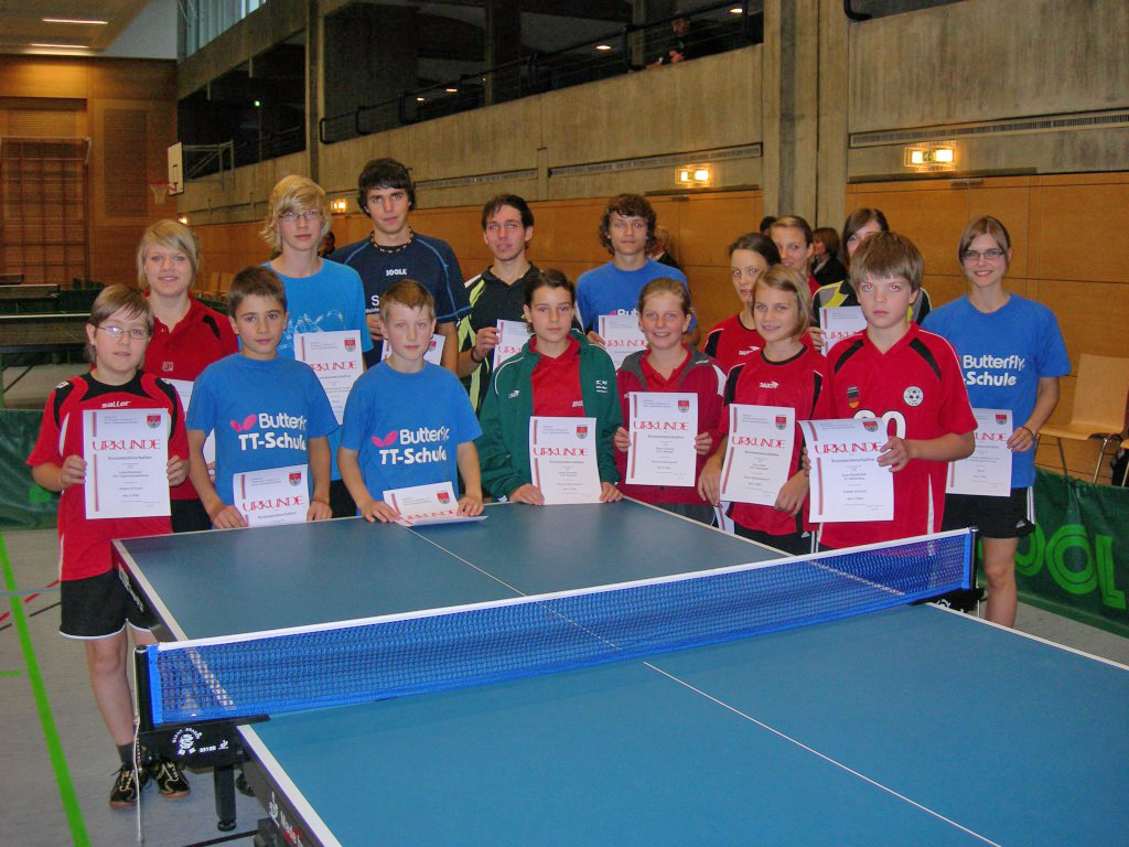 Die Sieger der Wettbewerbe Schüler Einzel und Doppel, Schülerinnen Einzel und Doppel sowie Mixed Jungen/Mädchen.