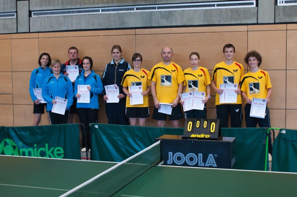Die Sieger der Wettbewerbe Herren S Einzel und Doppel sowie Damen Einzel und Doppel. Foto: Jürgen Keller