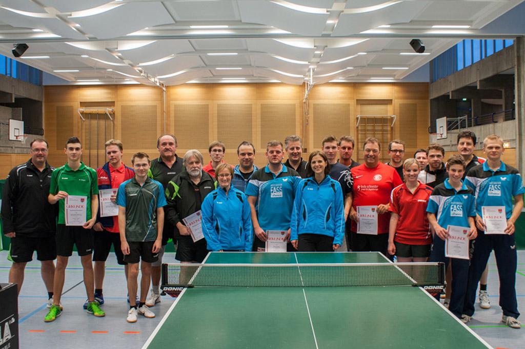 Die Sieger der Wettbewerbe Herren S, Herren C Doppel und Damen. Foto: Christoph Muhr