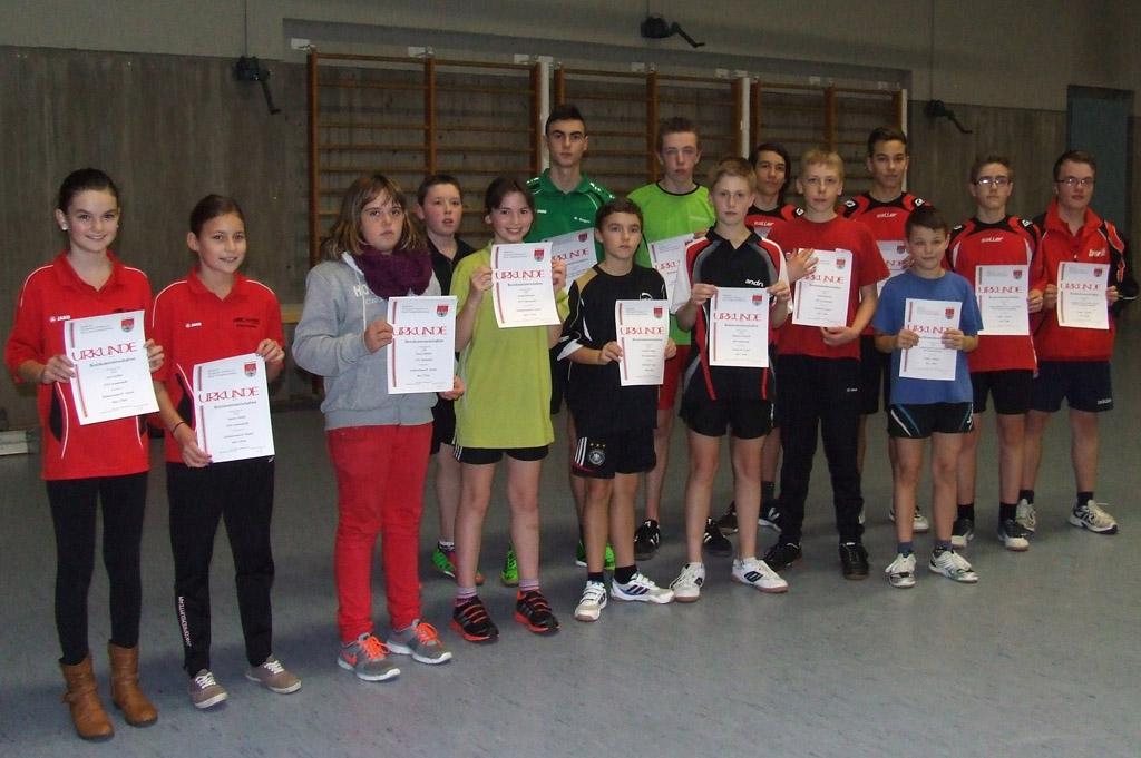 Die Sieger der Wettbewerbe Jungen Doppel, Schüler B Einzel und Schülerinnen B Einzel. Foto: Hans-Peter Wagner