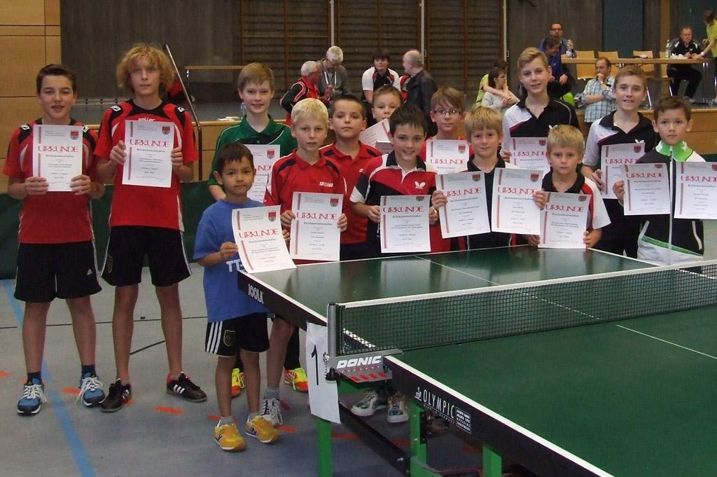 Die Sieger der Wettbewerbe Schüler A Doppel und Schüler C. Foto: Hans-Peter Wagner