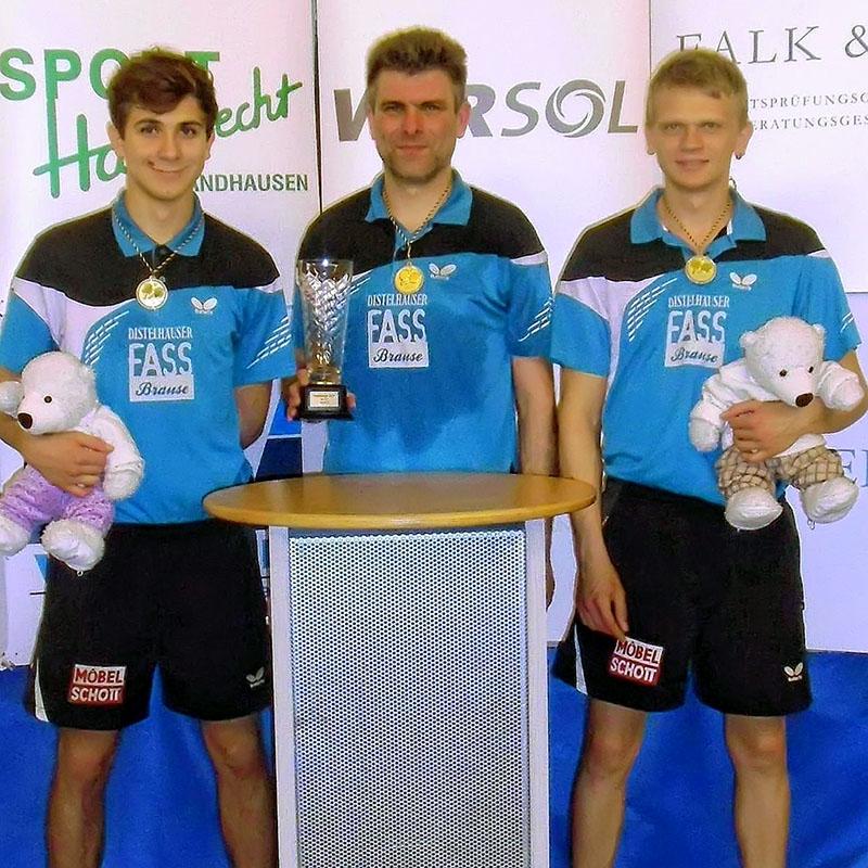 Die Spieler des SV Niklashausen holten den Verbandspokal in unseren TT-Bezirk (von links): Kacper Malinowski, Darek Szlubowski und Krzysztof Malcherek.