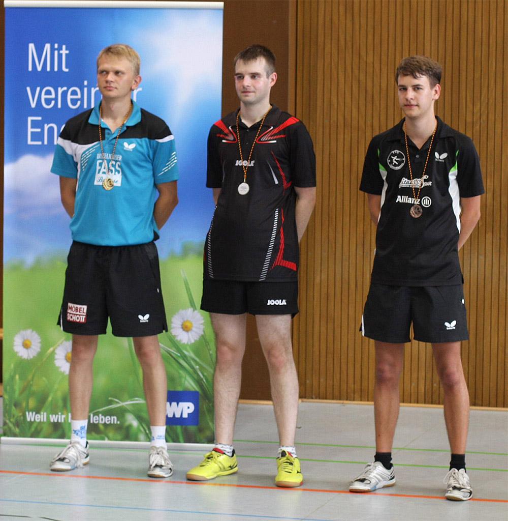 Die Top 3 der badischen Endrangliste 2014 (von links): 1. Platz Krzysztof Malcherek (SV Niklashausen), 2. Platz Thomas Klevenz (TSV Karlsdorf) und 3. Platz Sebastian Geisert (TTC 95 Odenheim). Bild: Bernhard Gerold (TT-Schule Niklashausen)