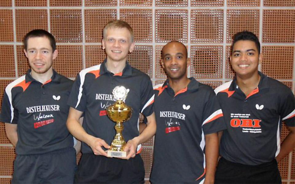 Das siegreiche Team im Regionspokal der Herren A vom SV Niklashausen (von links nach rechts): Michael Wedertz, Krzysztof Malcherek, Yohan Mora und Alberto Gorgona.