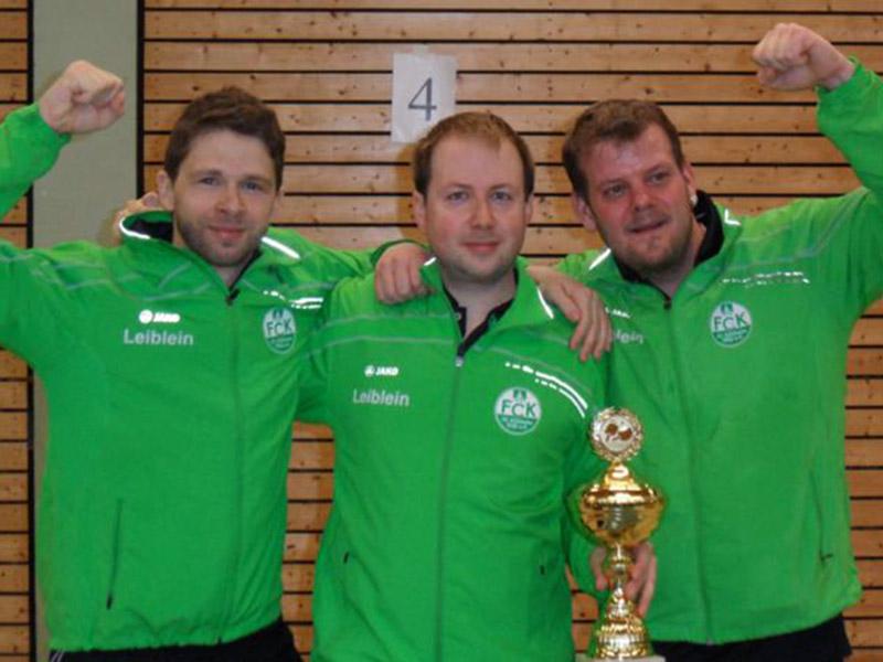 Die glücklichen Sieger im Regionspokal der Herren B vom FC Külsheim (von links nach rechts): Ulrich Soden, Marco Henninger und Henrico Matejka.