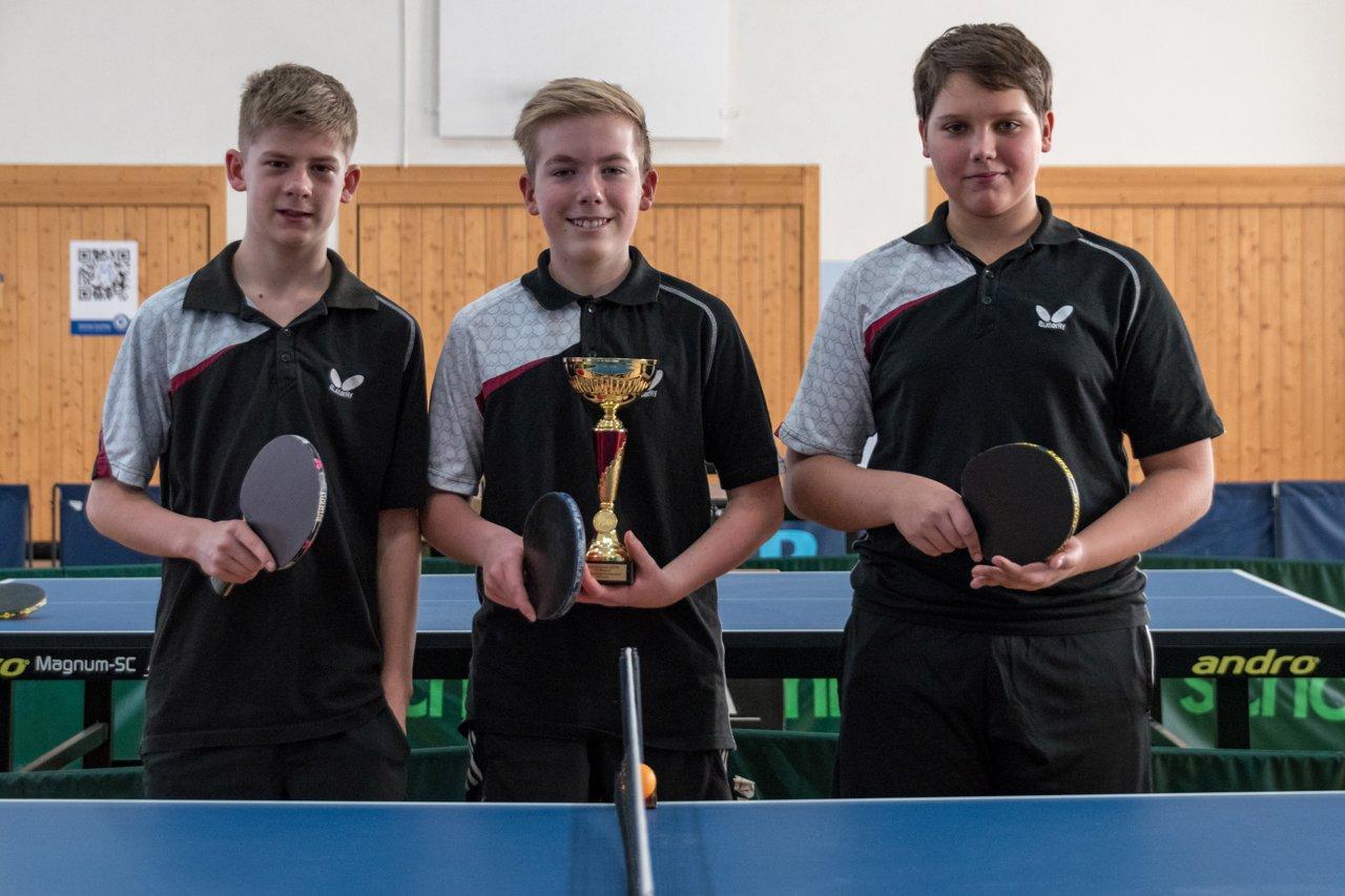 Die Sieger im Schüler Pokal vom FC Külsheim: Joel Matejka, Kai Zeitler und Eric Bohn (von links nach rechts).