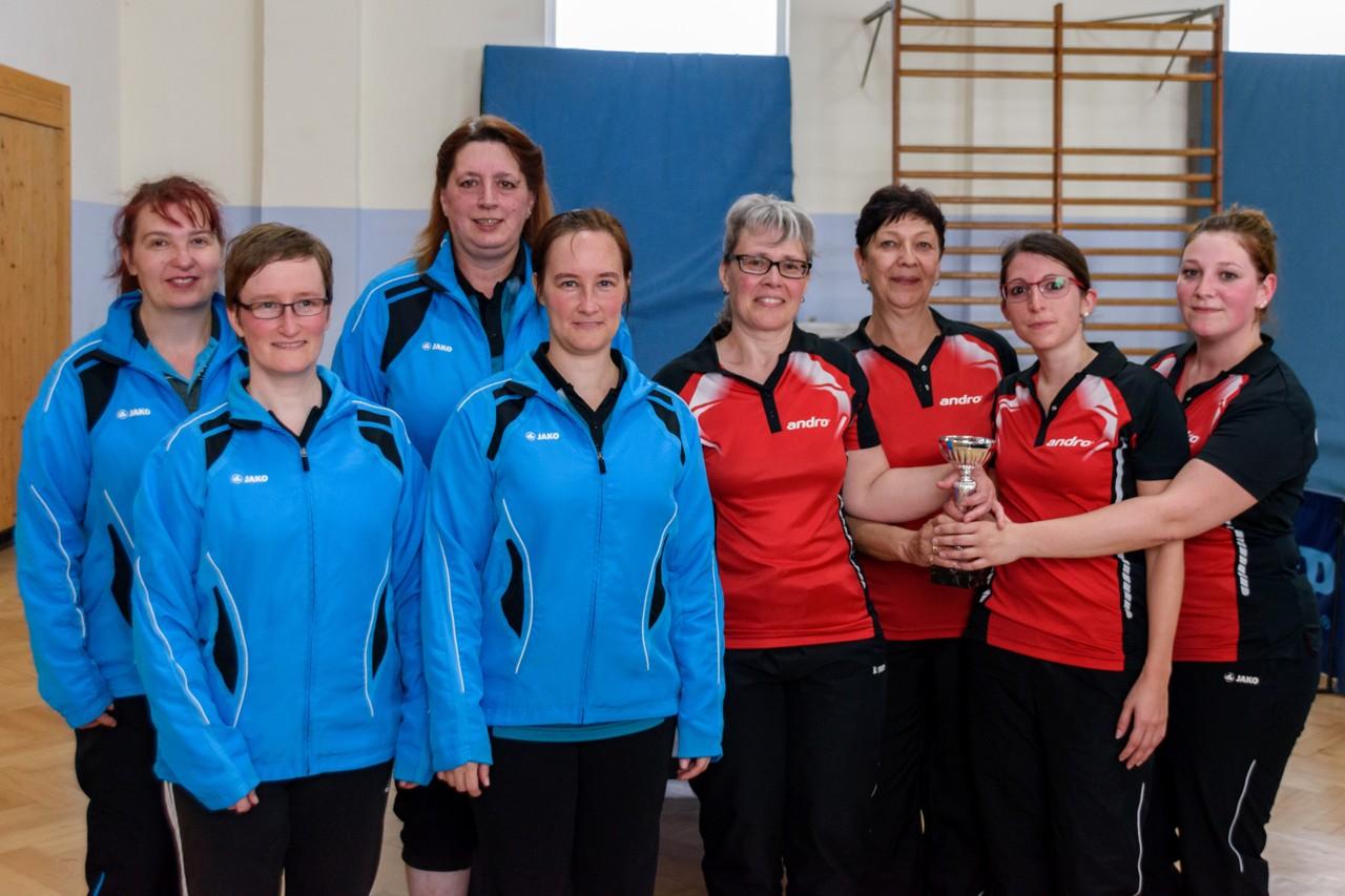 Die Endspielteilnehmerinnen im Tauberpokal der Damen in der Saison 2016/2017: TTV Oberlauda (links) und TTC Bobstadt (rechts).