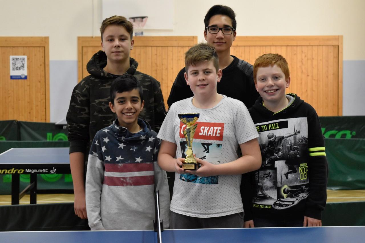 Die Sieger im Schüler Pokal der SG Lauda/Oberlauda: Andreas Ihl, Heja Yüksel, Adrian Sack, Marcel Waibel und Adrian Knörzer (von links nach rechts).