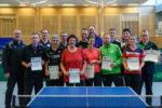 Die Siegerinnen und Sieger der Wettbewerbe Herren S-Klasse Doppel und Einzel, Damen Doppel und Einzel und Herren B-Klasse Doppel.
