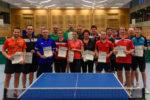 Die Siegerinnen und Sieger der Wettbewerbe Herren C-Klasse Doppel, Herren B-Klasse Einzel, Mixed Damen / Herren und Herren A-Klasse Doppel.