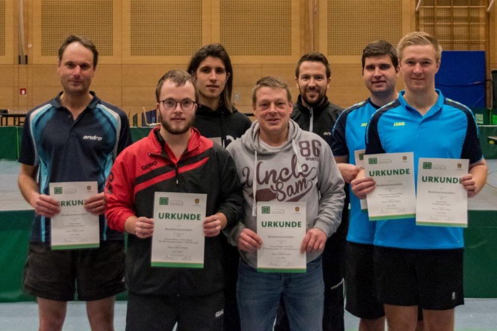 Die Sieger des Wettbewerbs Herren A Einzel und Doppel.
