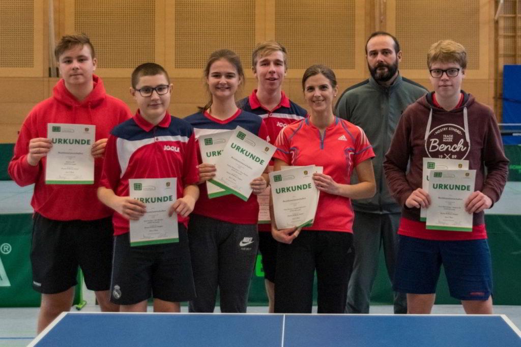 Die Sieger des Wettbewerbs Herren B Einzel und Doppel.
